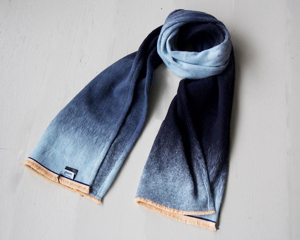 schoencadeau-tips-POM-amsterdam-sjaal-gradient-dream-shawl-blue