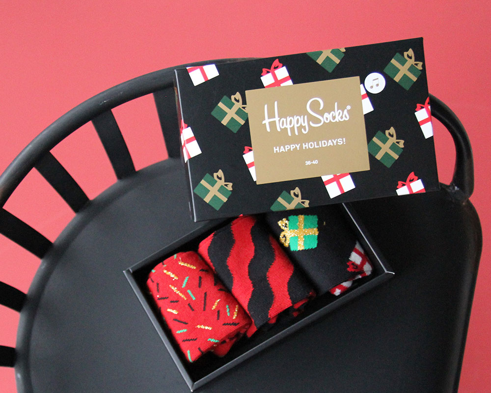 singing-christmas-giftbox-happy-socks