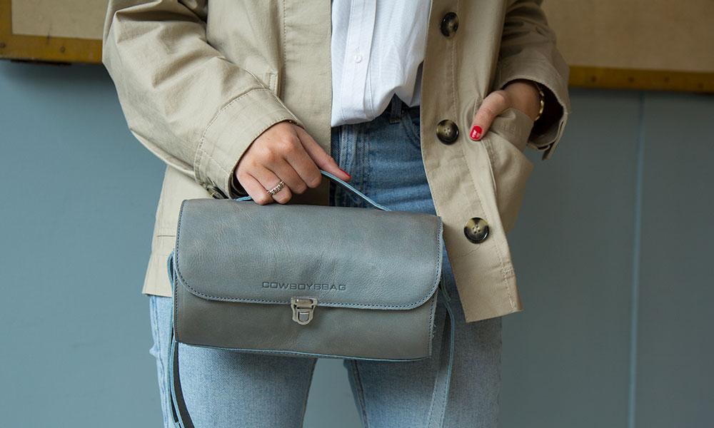 tassen-trends-ronde-tas-blauw-cowboysbag